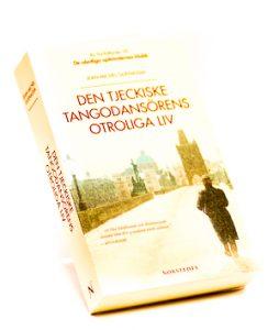 Den tjekiska Tango dansören otroliga liv - Bra pocket på Alvesta Bokhandel